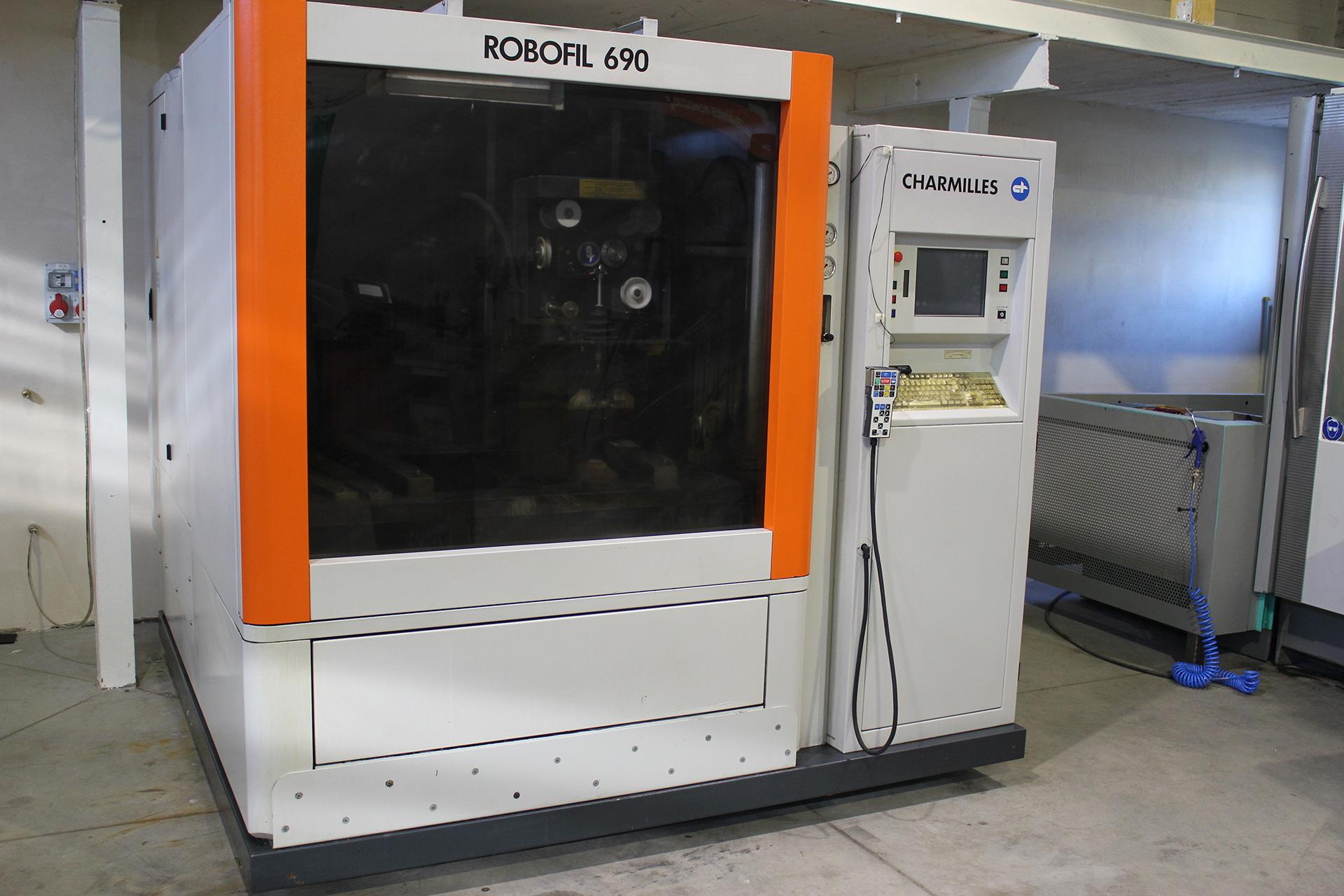 Draht - Elekto- Senkerodierer CNC CHARMILLES ROBOFIL 690
