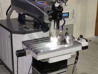 Präziser Laser – Schweißapparat