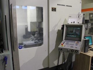 3 – Achsen Fräsmaschine CNC DECKEL MAHO 100 V
